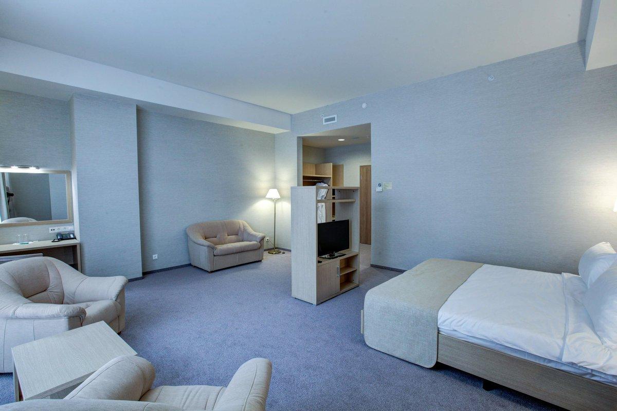 Комфортный номер студия в гостинице Рига-Лэнд